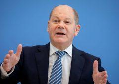 """Scholz: """"Germania eviterà recessione"""". Analisti più pessimisti"""