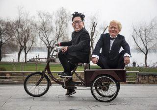 Storico vertice Usa Corea del Nord: Trump e Kim si stringono la mano