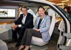 Il piano di Macron per fare decollare le auto elettriche