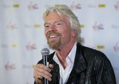 Richard Branson porta i viaggi nello spazio in Borsa