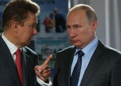 Gazprom: mistero su riassetto vertici, dopo 20 anni lascia Medvedev