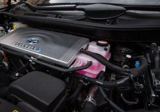 Perché l'auto a idrogeno non ha sfondato (e non lo farà per molto tempo)