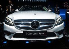 Daimler, utili compromessi dai dazi. Ma Mercedes resta primo brand tra le auto di lusso