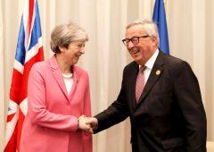 """Brexit ha le ore contate: May: """"senza sì all'intesa, Uk potrebbe non lasciare mai Ue"""""""