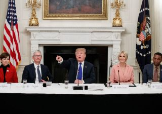 Tim Cook è stato ribattezzato 'Tim Apple' da Donald Trump (VIDEO)