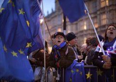 Brexit, articolo 50 rimandato. Niente secondo referendum