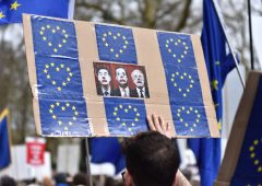Irriducibili Brexit pronti a piegarsi: sterlina lancia la rimonta