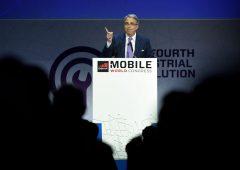 Telecom Italia, Vivendi depone le armi: armistizio con Elliott