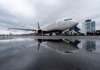 Boeing: atterraggio di emergenza in Florida per avaria al motore