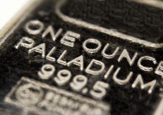 Tutti pazzi per il palladio: rally senza freni, nuovi record