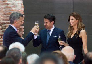 Deficit, Ue chiede lumi all'Italia.