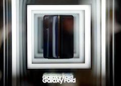 Samsung nei guai: display smartphone pieghevole si rompe