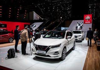 Borse europee, settore auto colpito da profit warning di Nissan
