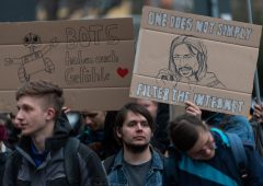 Copyright: Ue approva riforma anti Google, Italia vota contro