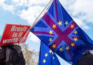 Brexit: rush finale per trovare accordo Ue-Uk,  vola la sterlina