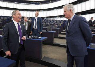 Caos Brexit: Tory in picchiata nei sondaggi, minimi dal 2014