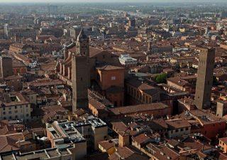 Bologna traina il mercato immobiliare nel primo semestre