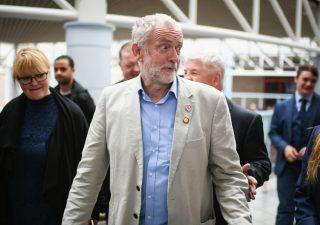 Brexit, congelati colloqui May - Corbyn: Borsa Londra ai massimi di sei mesi