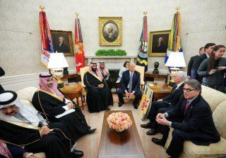 Arabia Saudita minaccia di mettere fine ai petrodollari