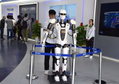 Intelligenza artificiale, robot banche imparano a commettere reati