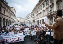 Le banche italiane salvate grazie ai soldi pubblici, una storia