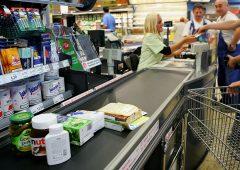 Reddito di cittadinanza, poca spinta ai consumi. Famiglie preferiscono risparmiare