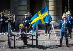 """Guerra ai contanti addio, Svezia: """"Nascondete soldi sotto il letto"""""""