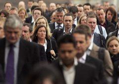 Reddito italiani in calo, ma varia enormemente in base al tipo di lavoro