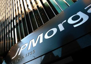 Jp Morgan controcorrente: