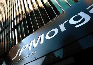 Canada, Jp Morgan Chase cancella debiti su carte di credito