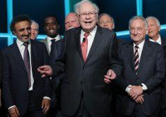 Buffett compra azioni Amazon malgrado prezzi vicini ai massimi