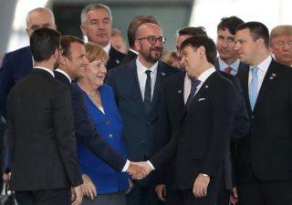 Italia, Ue non apre procedura di infrazione: spread in calo sotto 200 punti