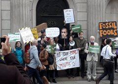 """Bank of England: ambientalisti chiedono QE """"green"""" e azioni più incisive sul clima"""