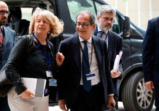Flat tax, Tria smentisce lite con Salvini: