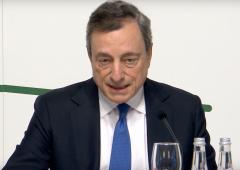 Draghi: apre a taglio tassi e ripresa QE, euro sbanda