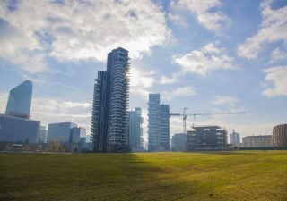 Immobiliare: compravendite in salita. Milano la più dinamica