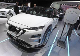 Auto elettriche, i dieci modelli più cercati sul web dagli italiani
