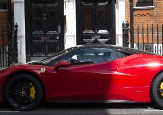 Sorpasso Ferrari: in Borsa vale più di GM e Ford