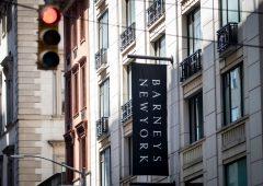 Barneys, il tempio del lusso americano va in bancarotta