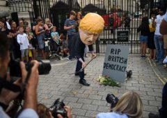 Brexit, proteste a Westminster: 1,4 milioni di firme contro sospensione del parlamento