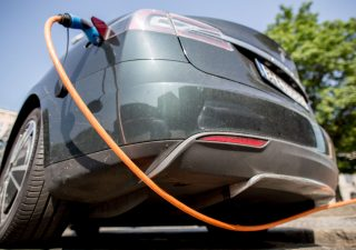 Auto elettrica: Enel si rafforza nella settore con la jv Hubject