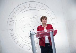 Il Fmi taglia le stime sulla crescita globale e italiana