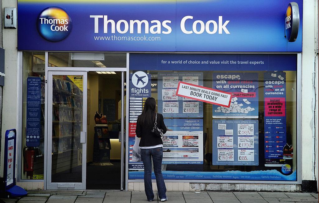 Thomas Cook in bancarotta, titolo sospeso