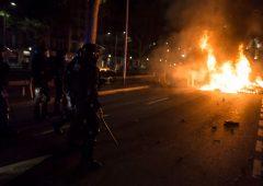 Catalogna: caos nelle piazze dopo la maxi condanna ai leader indipendentisti