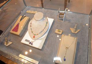 Tra oro e gioielli gli italiani hanno in caso oltre 2mila euro. E non lo sanno