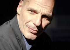 """Varoufakis: """"Draghi prigioniero di regole ridicole, come lo sarà Lagarde"""""""