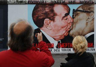 Muro di Berlino: trent'anni fa la caduta del simbolo della cortina di ferro