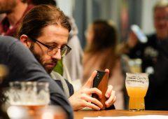 Pagamenti digitali: millennial italiani indietro, oltre il 34% usa il contante per più di una transazione al giorno
