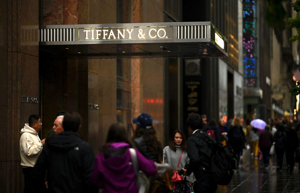 Lusso: Lvmh mette le mani sui gioielli di Tiffany
