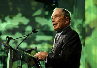 Da Michael Bloomberg 100 milioni di dollari per campagna anti-Trump